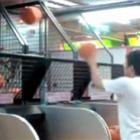 Ninja do basquete de shopping