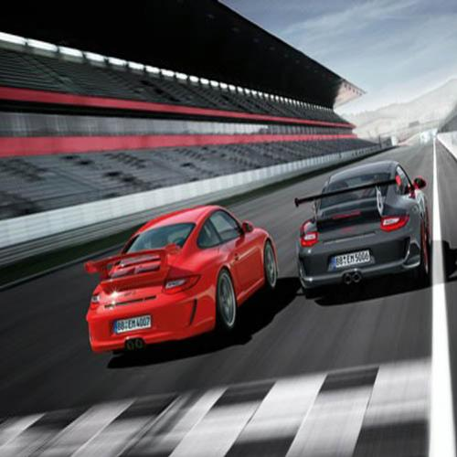 BMW M3 GTS vs. Porche 911 GT3 RS