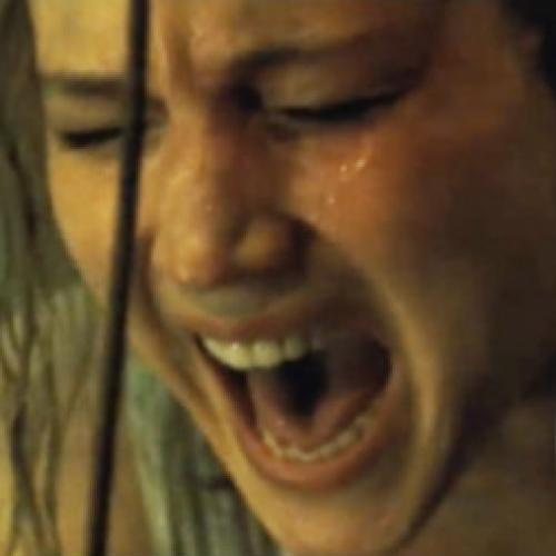 Jennifer Lawrence no sombrio terror e suspense: Mãe! (2017). Trailer.
